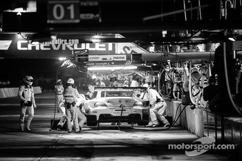 Pit stop for #56 BMW Team RLL BMW Z4 GTE: Dirk Müller, Joey Hand, John Edwards