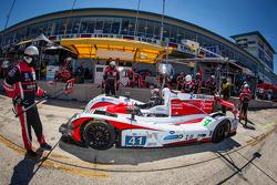 Pit stop for #41 Greaves Motorsport Zytek Z11SN Nissan: Tom Kimber-Smith, Christian Zugel, Eric Lux