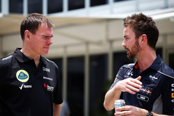 Alan Permane, Lotus F1 Team Trackside Operations Director with Simon Rennie, Red Bull Racing Race Engineer