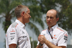 Martin Whitmarsh, McLaren Chief Executive Officer with Phil Prew, McLaren Race Engineer