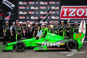 Victory circle: race winner James Hinchcliffe, Andretti Autosport Chevrolet celebrates with girlfriend Kirsten Dee, Michael Andretti and Andretti Autosport team members
