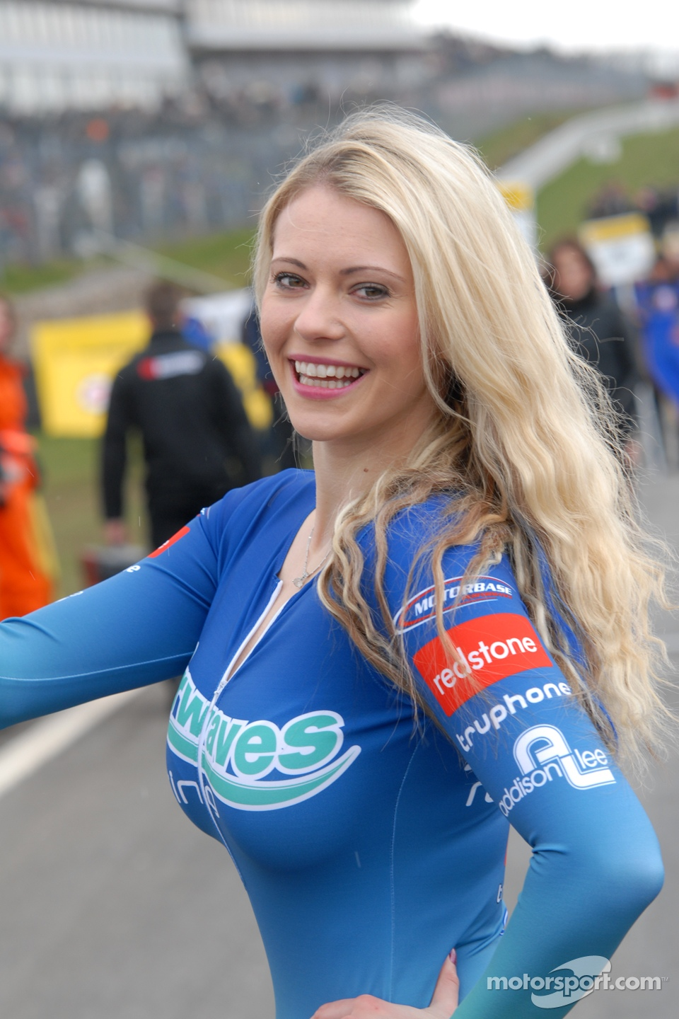 Grid Girls Hatch Pictures