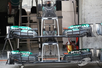 Mercedes AMG F1 W04 front wings