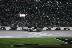 Kyle Busch takes the Checked Flag