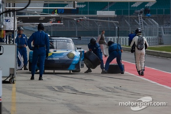 #88 Proton Competition Porsche 911 GT3 RSR: Christian Ried, Gianluca Roda, Paolo Ruberti