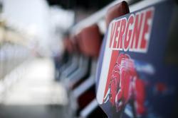 Pit board for Jean-Eric Vergne, Scuderia Toro Rosso