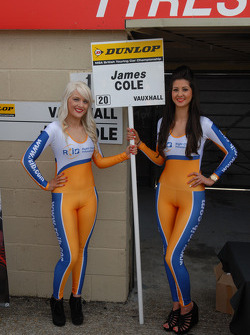 RCIB Insurance Racing Grid girls