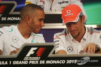 (L to R): Lewis Hamilton, Mercedes AMG F1 and Jenson Button, McLaren in the FIA Press Conference