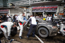 Pit stop for #20 Schubert Motorsport BMW Z4 GT3 (SP9): Dirk Adorf, Claudia Hürtgen, Jens Klingmann, Martin Tomczyk