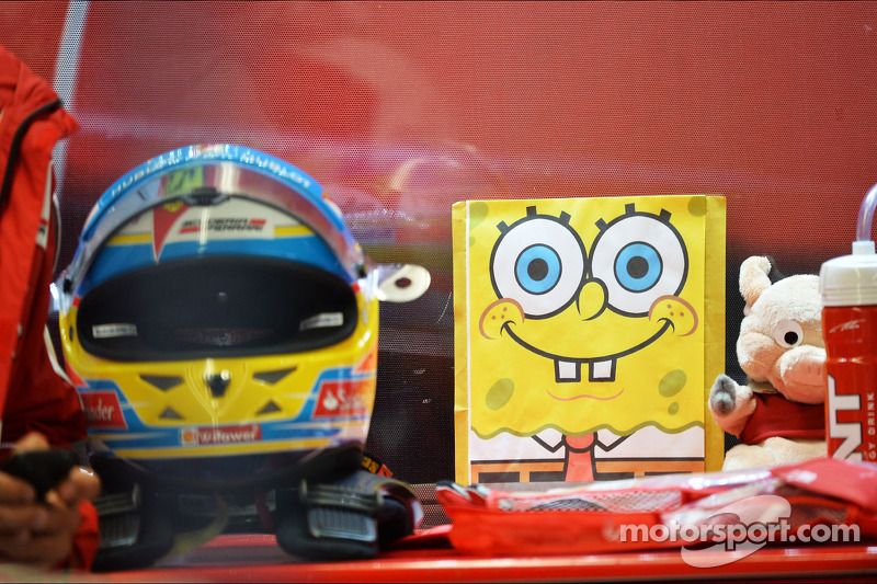 Spongebob Squarepants and other mascots for Fernando Alonso, Ferrari