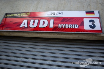 Pit sign for #3 Audi Sport Team Joest Audi R18 e-tron quattro