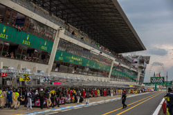 Pit lane during free practice