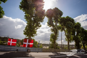 Fan memorial for Allan Simonsen at Tertre Rouge, with tire marks