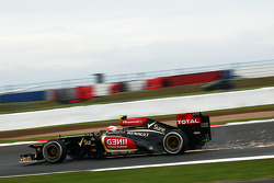 F1: Sparks flying from Romain Grosjean, Lotus F1 E21