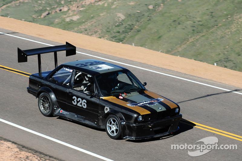 #326 BMW 325: Tim Hardy