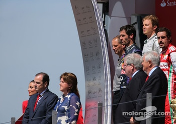 Nico Rosberg, Mercedes GP, Mark Webber, Red Bull Racing and Fernando Alonso, Scuderia Ferrari