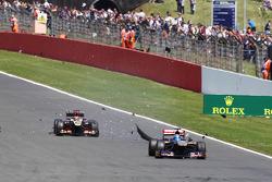Jean-Eric Vergne Scuderia Toro Rosso STR8 sufferes a rear tyre failure
