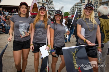 Rebellion Racing girls