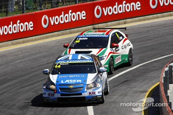 James Nash, Chevrolet Cruze 1.6 T, Bamboo Engineering and Tiago Monteiro, Honda Civic Super