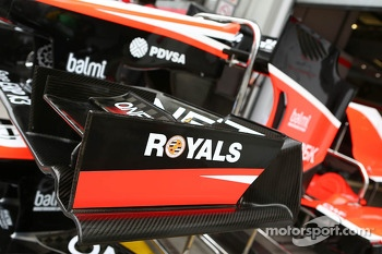 Reading FC branding on the Marussia F1 Team MR02