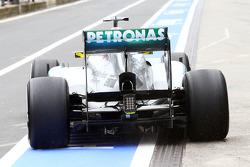 Nico Rosberg, Mercedes AMG F1 W04 running passive DRS