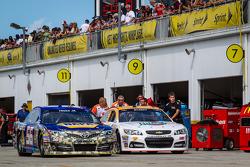Martin Truex Jr., Michael Waltrip Racing Toyota, Dave Blaney, Chevrolet