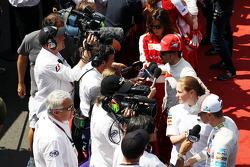 Nico Hulkenberg, Sauber and Fernando Alonso, Ferrari with the media