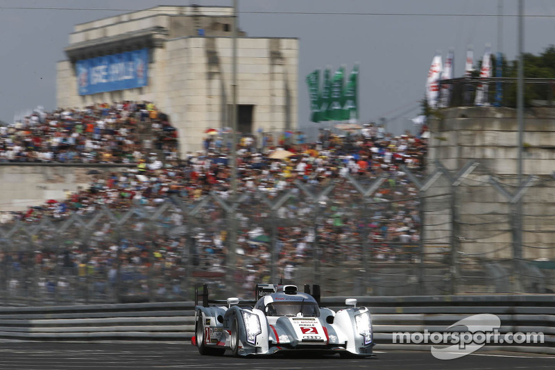 Tom Kristensen drives the Le Mans winning Audi R18