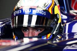 F1: Carlos Sainz Jr., Scuderia Toro Rosso STR8 Test Driver