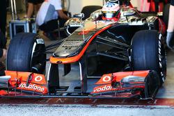 Gary Paffett, McLaren  MP4-28 Test Driver front wing