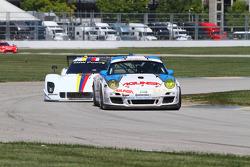#18 Muehlner Motorsports America Porsche GT3