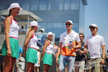 (L to R): Adrian Sutil, Sahara Force India F1 and Nico Rosberg, Mercedes AMG F1 on the drivers parade