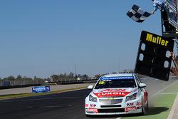 Yvan Muller, Chevrolet Cruze 1.6T, RML race winner
