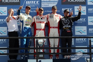 1st position Yvan Muller, Chevrolet Cruze 1.6T, RML , 2nd position Pepe Oriola, SEAT LeonWTCC, Tuenti Racing, 3rd position Tom Chilton, Chevrolet Cruze 1.6 T, RML and 1st position Yokohama Trophy Jose Maria Lopez, BMW 320 TC, Wiechers-Sport