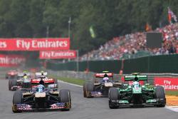Jean-Eric Vergne, Scuderia Toro Rosso and Giedo van der Garde, Caterham battle for position