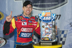 Race winner Carl Edwards, Roush Fenway Racing Ford