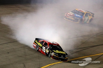 Clint Bowyer, Michael Waltrip Racing Toyota in trouble
