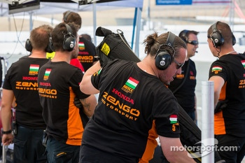 Zengo motorsport team during qualification
