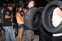 Tires to be signed