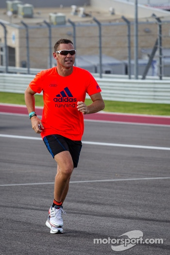 Tom Kristensen runs the track