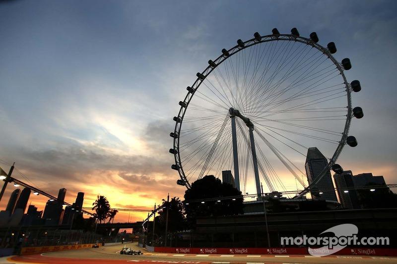 Lewis Hamilton, Mercedes Grand Prix  21