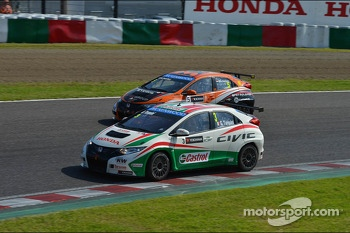 Gabriele Tarquini, Honda Civic, Honda Racing Team J.A.S.  and Norbert Michelisz, Honda Civic, Zengo Motorsport