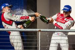 LMP1 podium: champagne for Marcel Fässler and Benoit Tréluyer