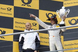 3rd Roberto Merhi, Mercedes AMG DTM-Team HWA, thanks his team