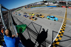 Start: Aric Almirola leads