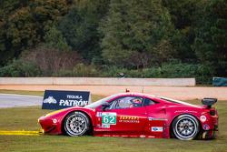 #62 Risi Competizione Ferrari F458 Italia: Olivier Beretta, Matteo Malucelli, Robin Liddell goes off-track