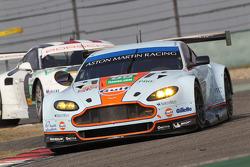 阿斯顿马丁车队99号阿斯顿马丁Vantage GTE赛车:佩德罗·拉米、里奇·斯坦纳威、布鲁诺·塞纳