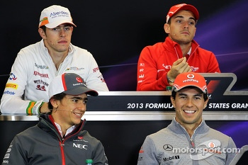 (L to R): Esteban Gutierrez, Sauber and Sergio Perez, McLaren in the FIA Press Conference