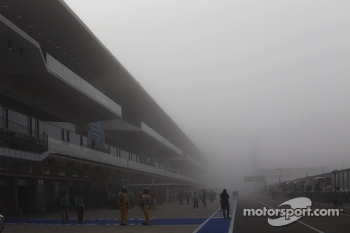 Fog delayed the start of FP1