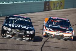 Kurt Busch, Furniture Row Racing Chevrolet and Denny Hamlin, Joe Gibbs Racing Toyota